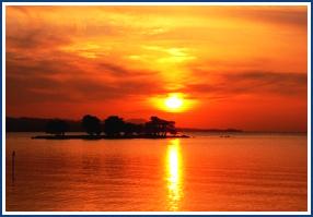 宍道湖の夕日(お車で約10分)